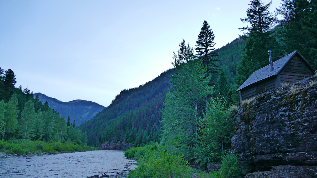 Photo of the cabin in the twilight.